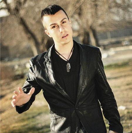 https://www.topseda.ir/wp-content/uploads/2014/09/Amir-Khani---Man-Hanoozam-Hastam.jpg