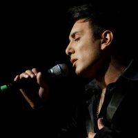 دانلود اجرای زنده شادمهر عقیلی به نام آدم فروش