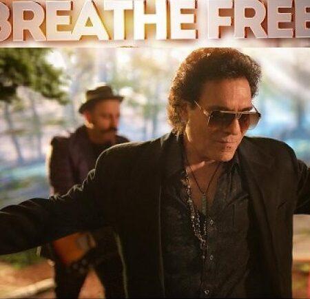 دانلود آهنگ اندی Breathe Free